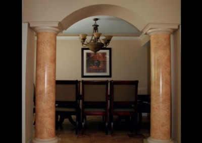 hand-painted-marble-columns-in-walkway