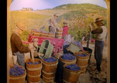 harvesting-grapes-mural-in-restaurant
